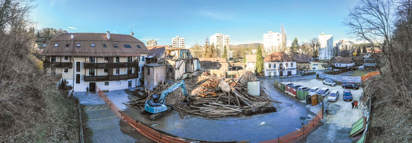 Foto reportaža rušitve objekta Stari trg 11