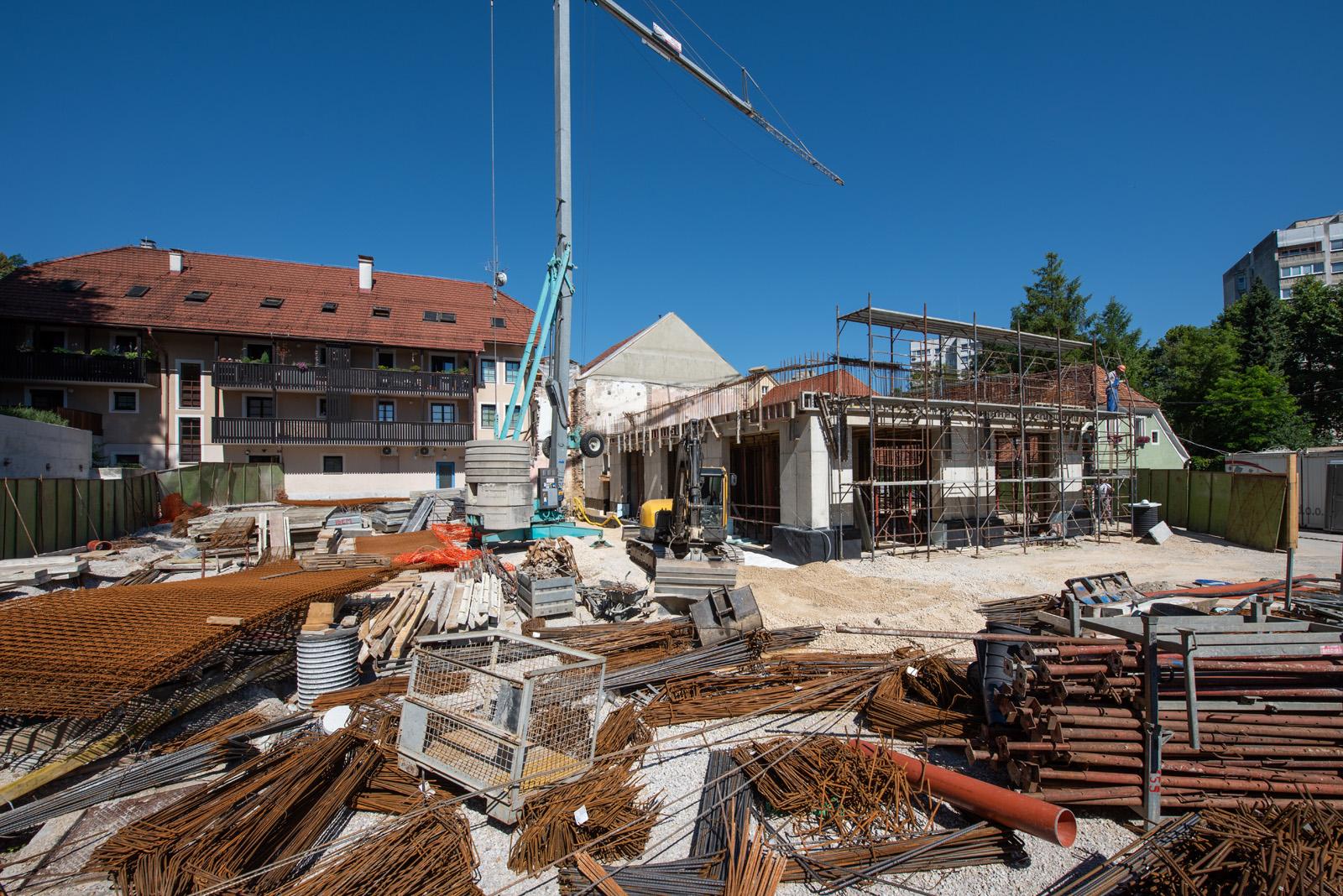Gradnja stavbe pri projektu CTN Stari trg 11 v tretji fazi