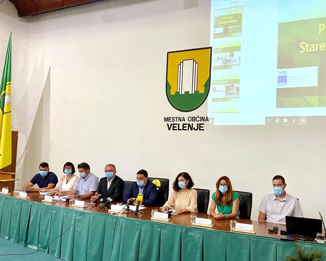 Na novinarski konferenci o prenovi Starega Velenja …