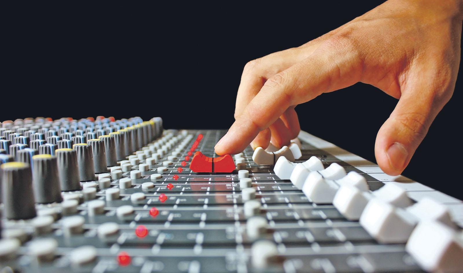 Radio Velenje danes prvič ponovno oddaja ves dan