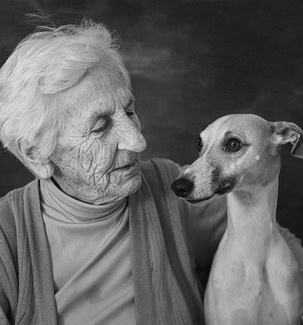Prijatelja: pes in njegov človek